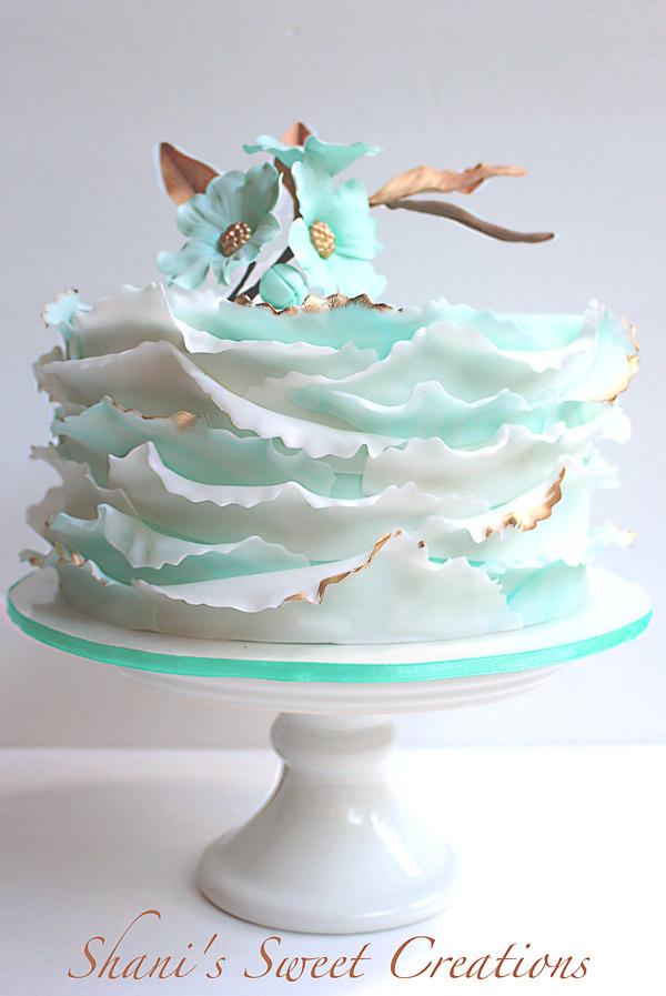 Mint green and white frill mini wedding