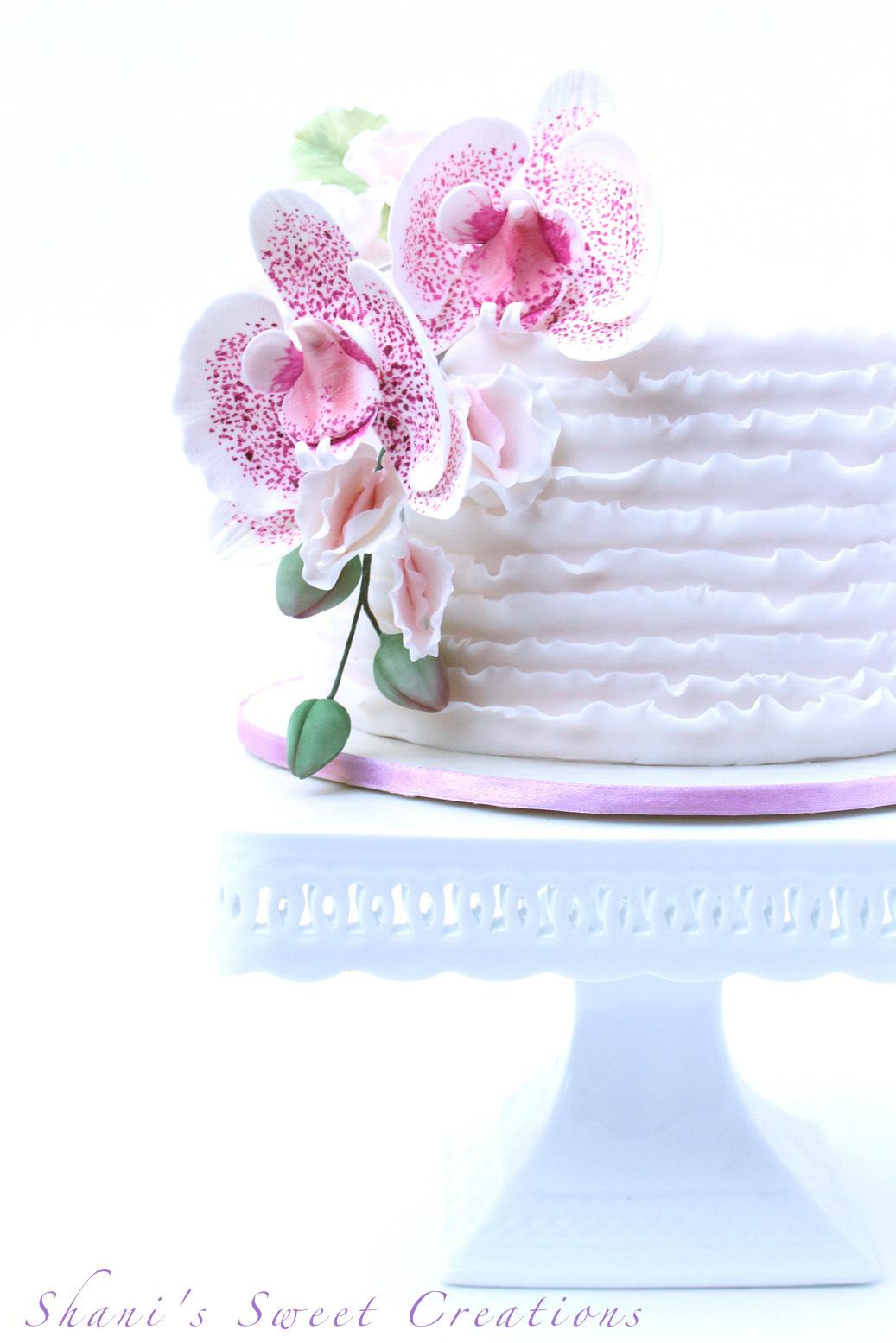 Mini white frill cake