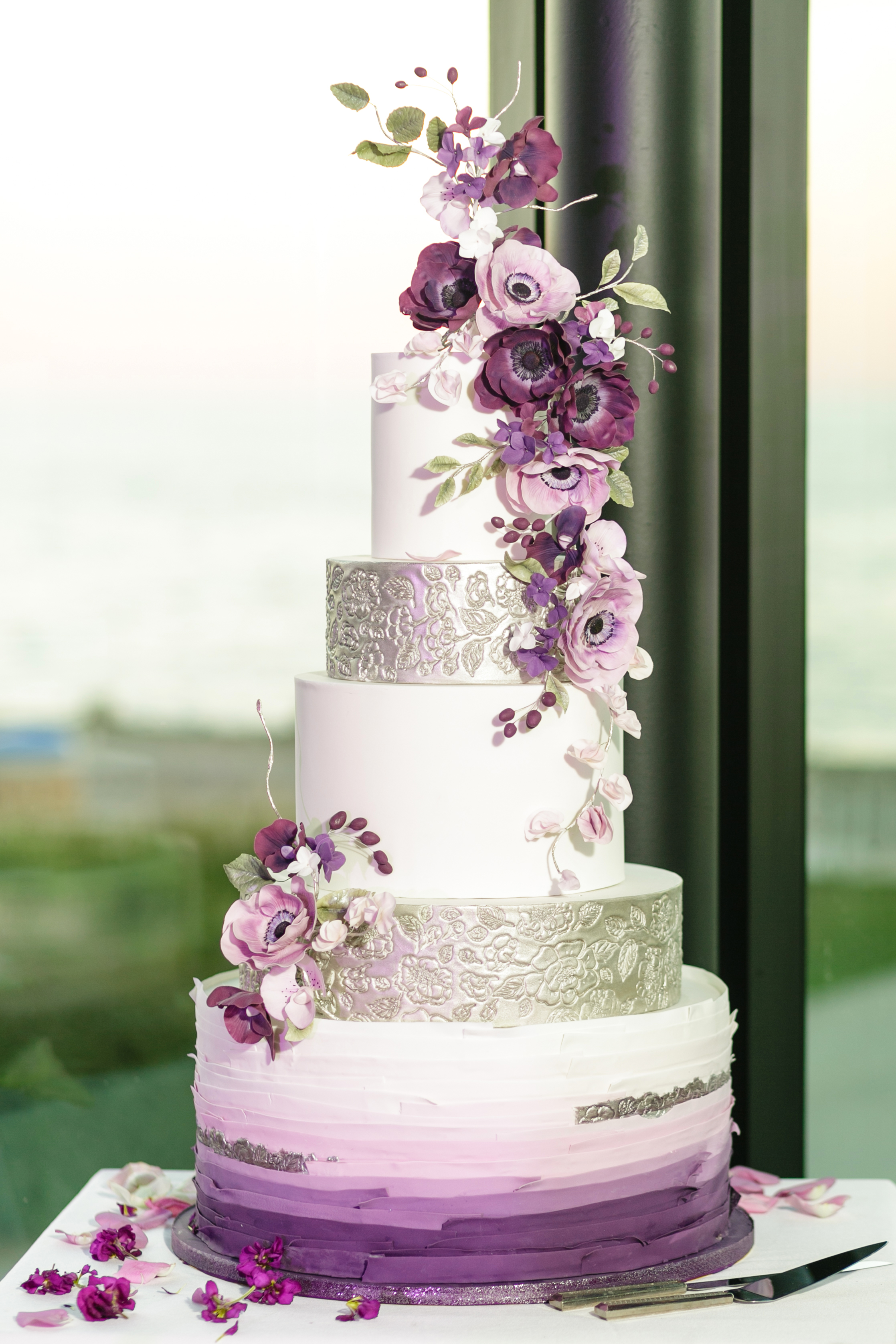 Purple ombre and white wedding