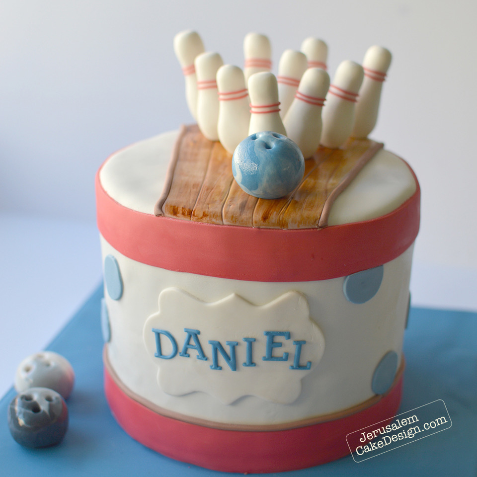 Bowling themed birthday cake