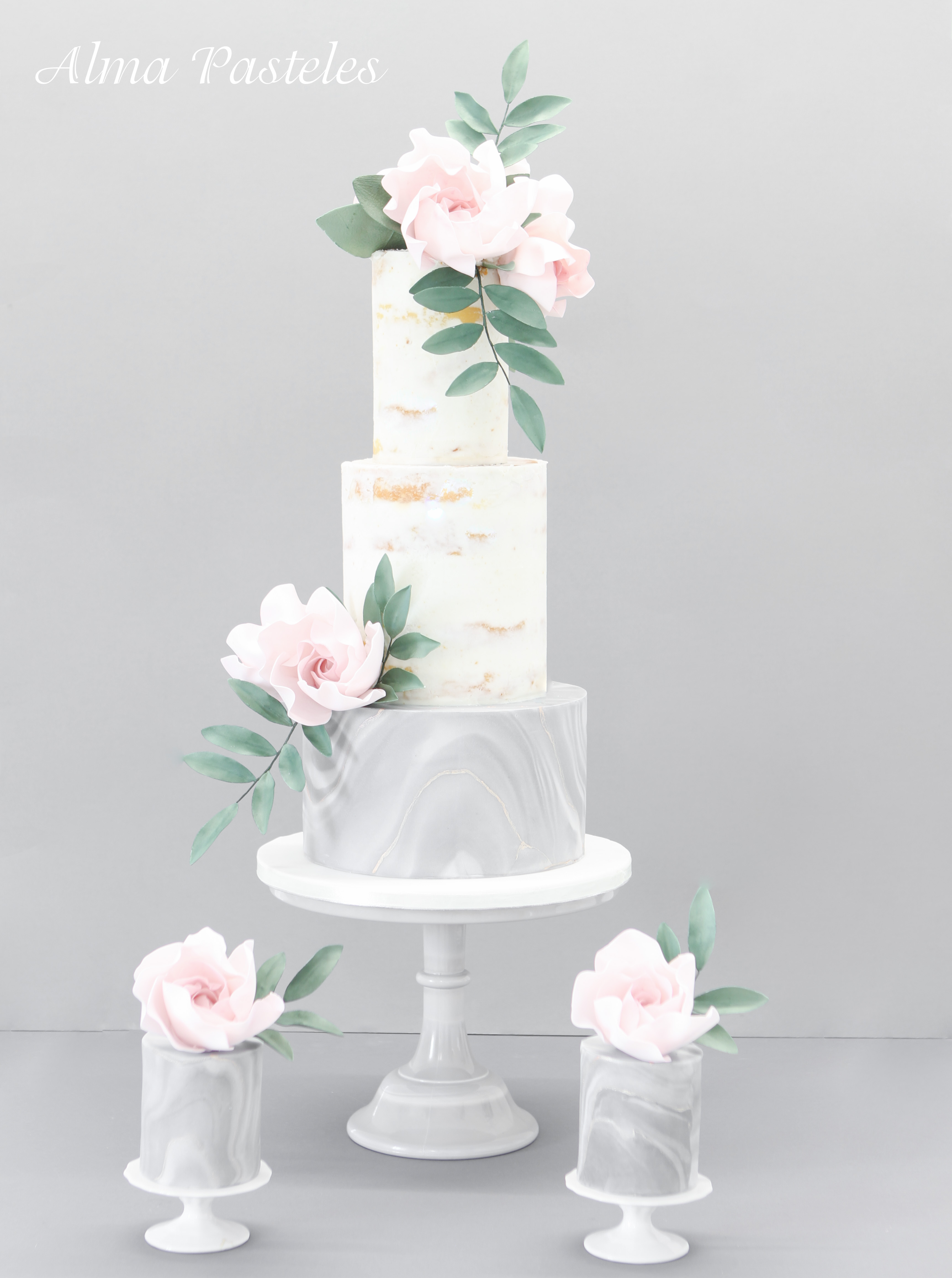 White and marble gray wedding cake