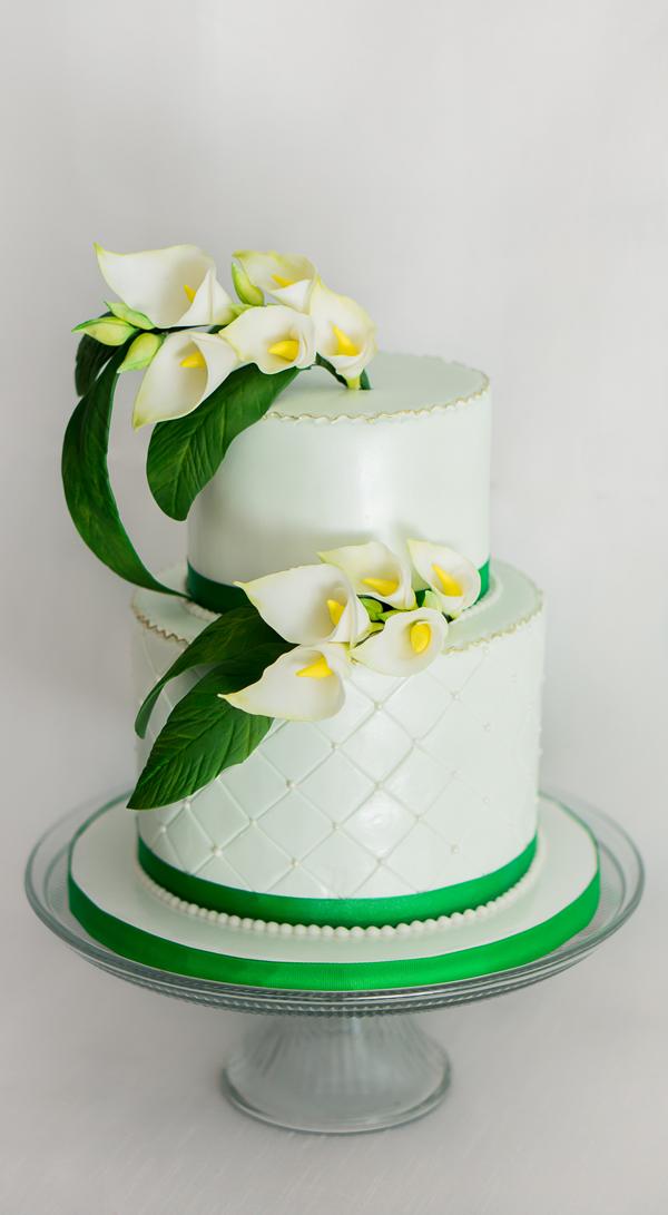 Lily flower pastel green wedding cake