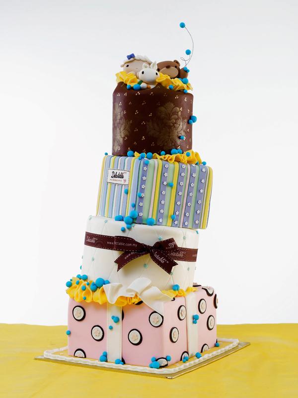 Baby Topsy Turvey Cake