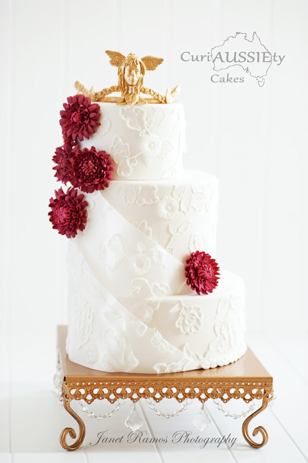 Elegant Floral Wedding Cake