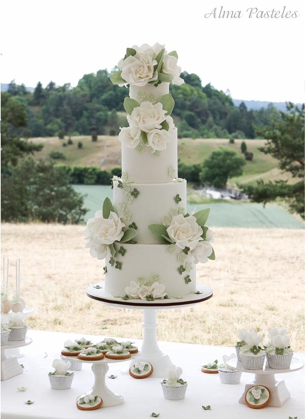 Ivory Wedding Desserts