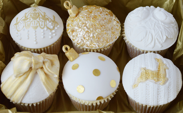 suzanne-esper-christmas-cupcakes.jpg#ass