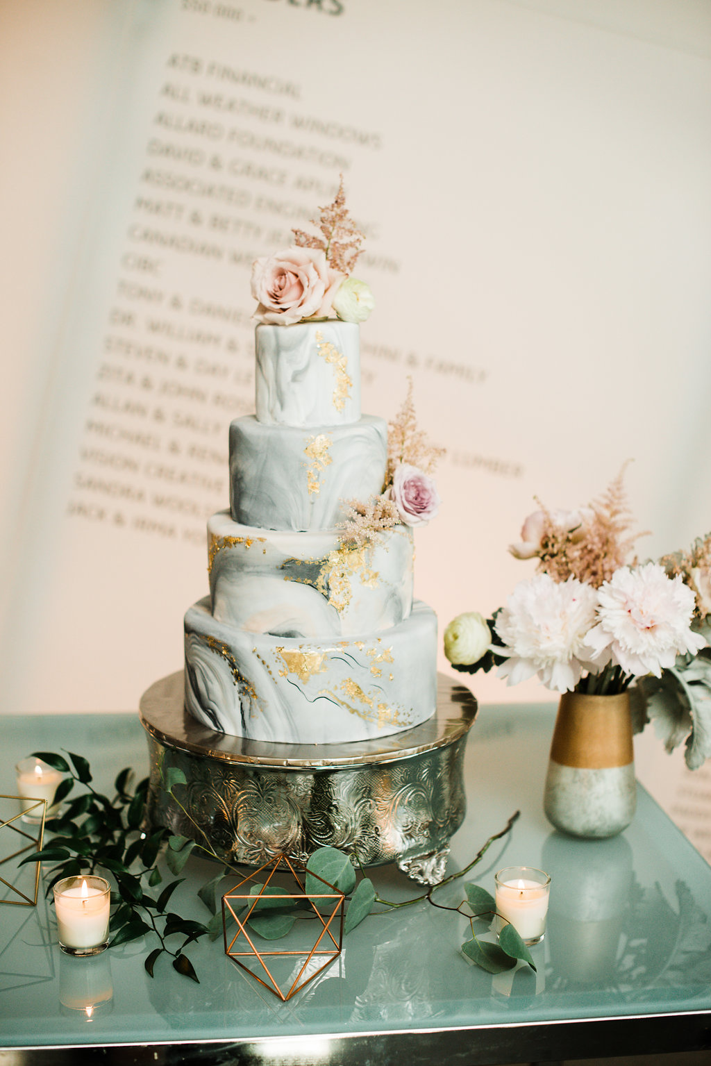 Light green with gold marbled wedding cake