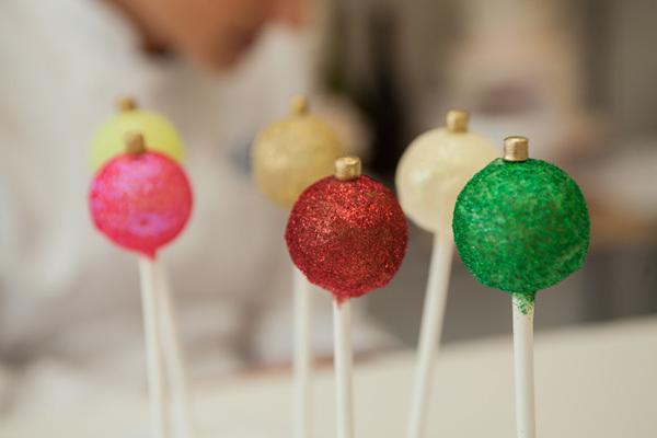 Christmas-Cake-Pops-Beauty.jpg#asset:107