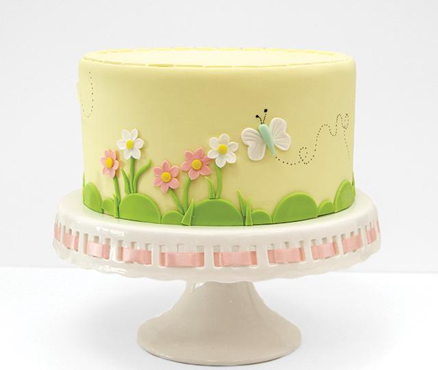 Flower-cake-beauty-shot-1.jpg#asset:18046