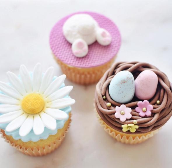 Marian Studio Easter Cupcakes