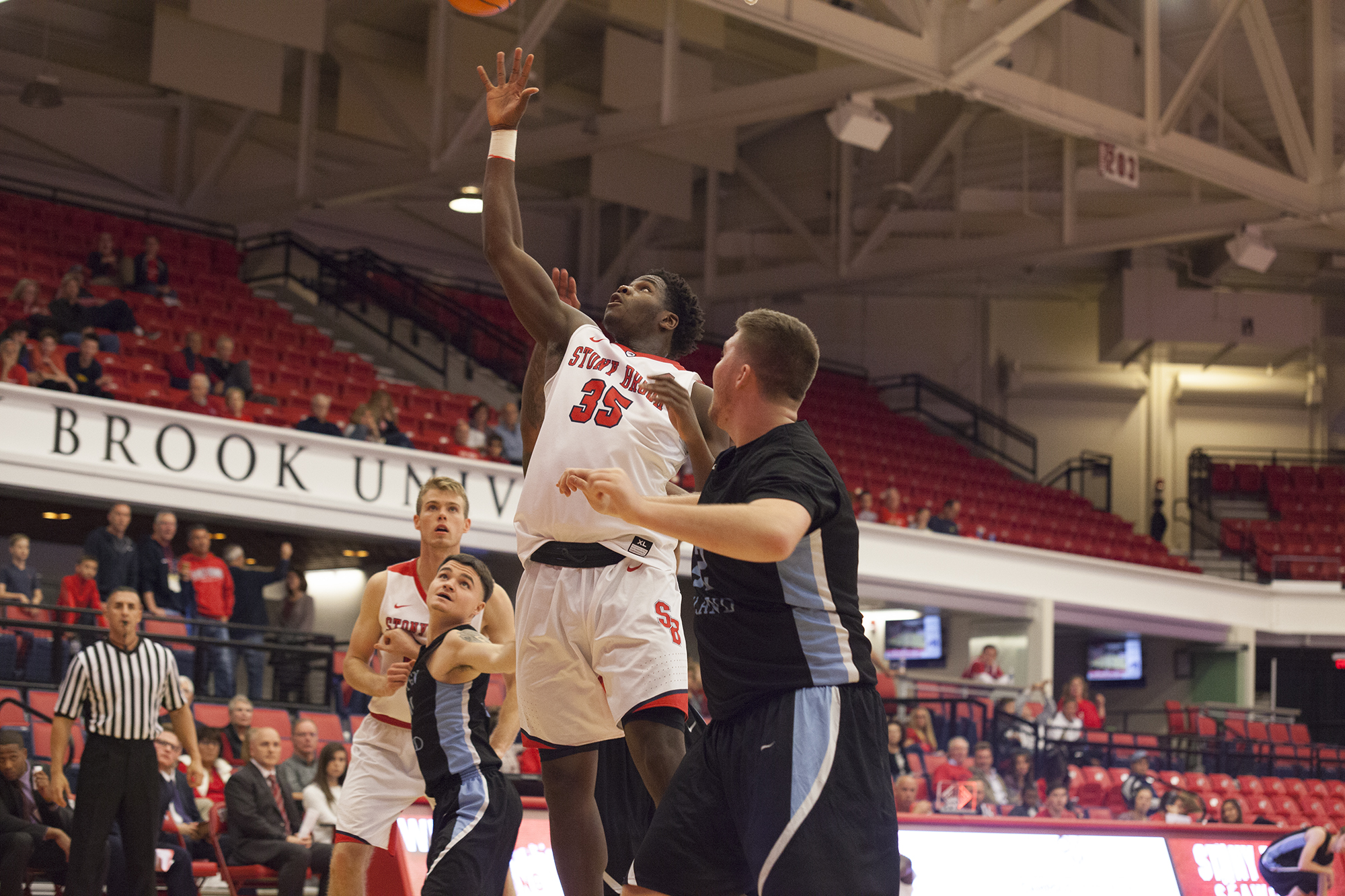 Ochefu hopes to carve out a role on the court in his first year with Men's Basketball