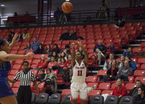 Women's Basketball gets back in winning routine | The Statesman