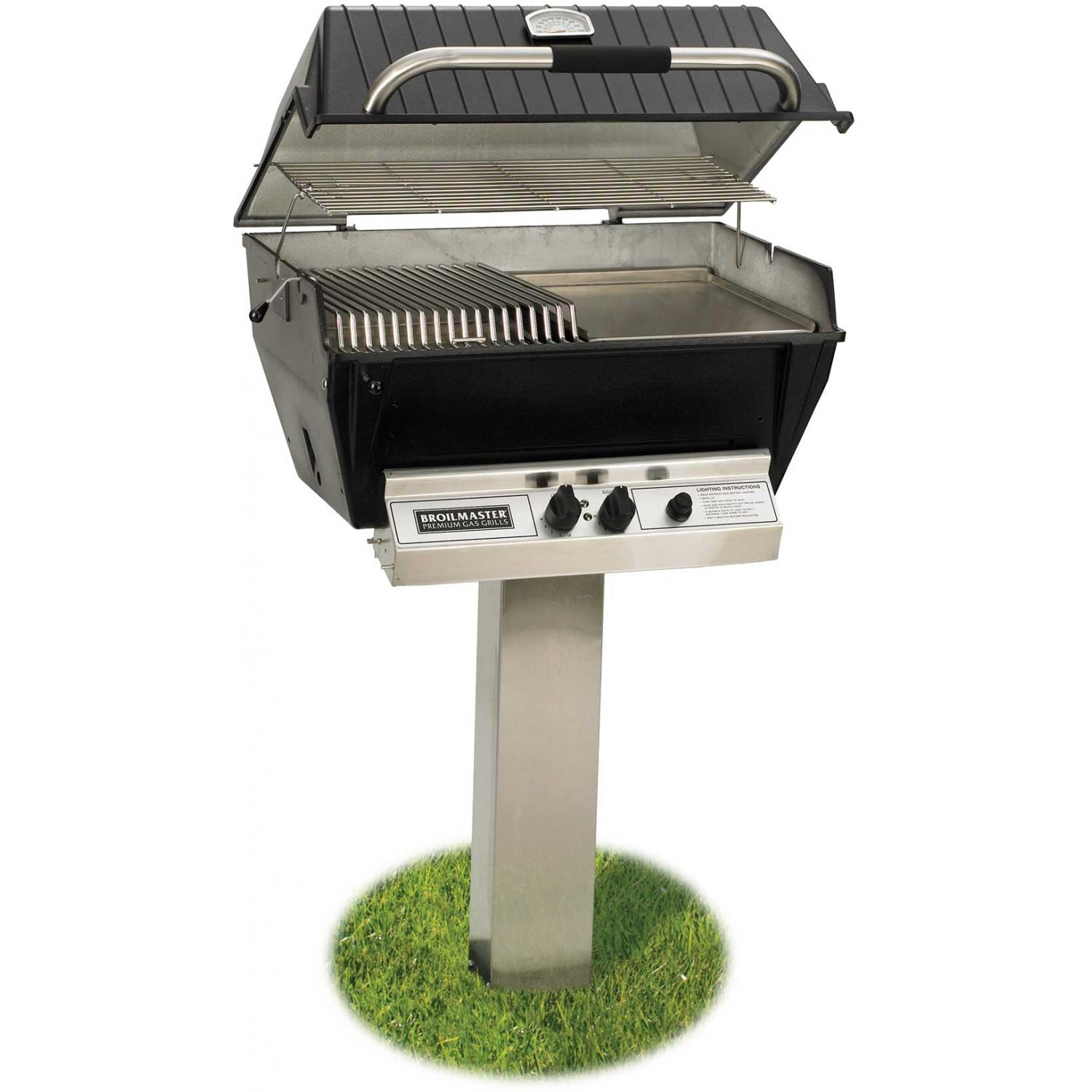 Broilmaster P3-SX Super Premium Propane Gas Grill On Stainless Steel In-Ground Post 2824426