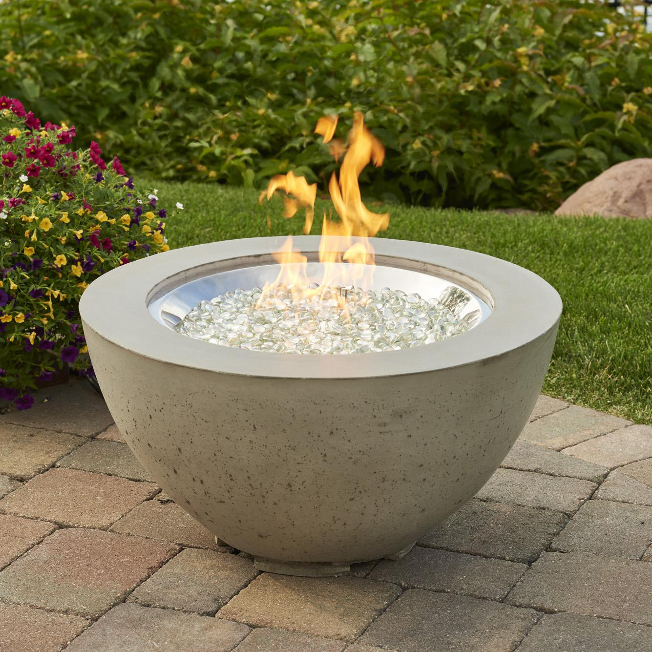 Outdoor GreatRoom Cove 29-Inch Round Natural Gas Fire Pit...