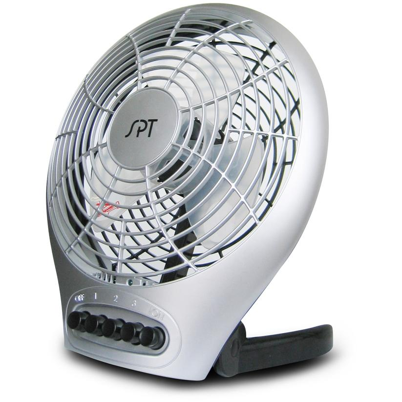 Sunpentown Fan 7-Inch Desktop Fan With Ionizer - SF-0703