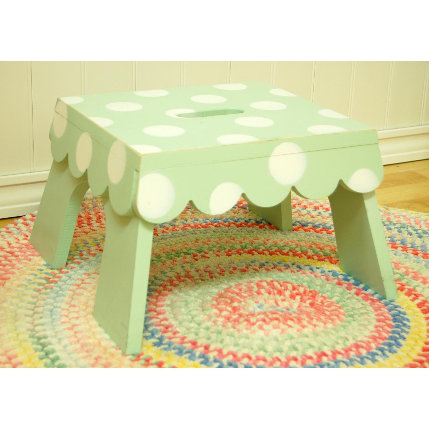 New Arrivals Scalloped Edge Step Stool - Green Polka Dot