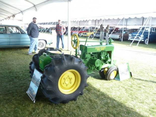 John Deere Replica Model G 1/4 Scale Tractor Replica