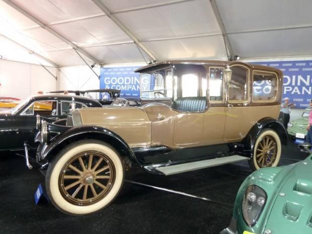 1915 Pierce-Arrow Model 48 7-Passenger Suburban