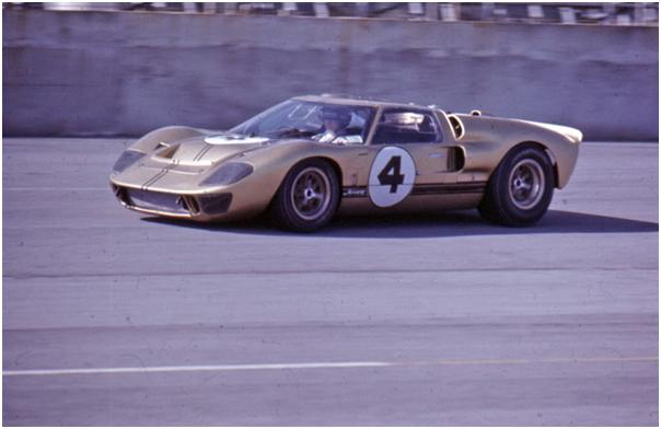 Holman-Moody Ford GT40 Mk II - Mark Donohue and Peter Revson