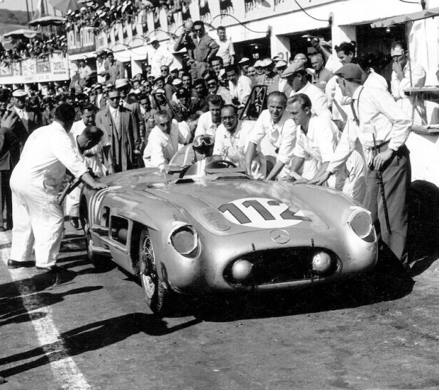 The last race of 1955 was the Targa Florio. The Mercedes-Benz team of 300 SLRs came in full force. Mercedes and Ferrari were neck and neck for the Championship. The Targa would tell the tale.