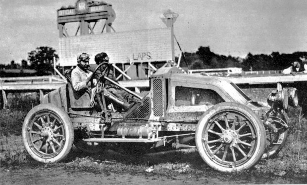 Hungarian driver Ferenc Szisz won the 1906 French Grand Prix in a Renault