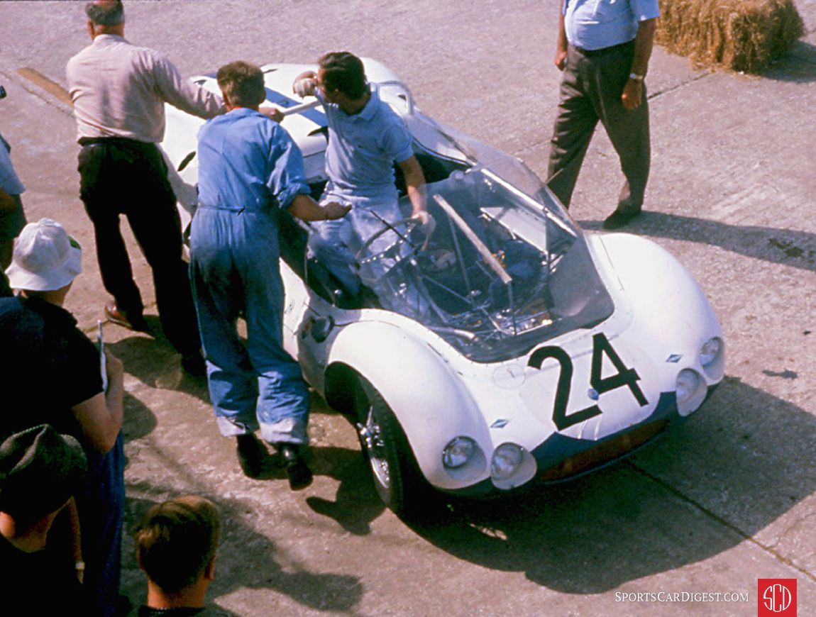 The rough Sebring course broke the suspension on Masten Gregory and Lloyd Casner's Maserati Tipo 63. Drivers did not like that large wind screen. Stirling Moss was the last to drive the car after his Maser broke. (Photo: www.barcboys.com)