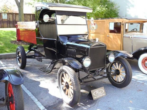 1925 Ford Model T C-Cab Dump Truck