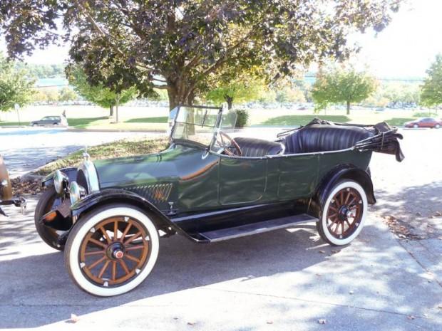 1917 Oldsmobile Model 45 Light Eight Touring
