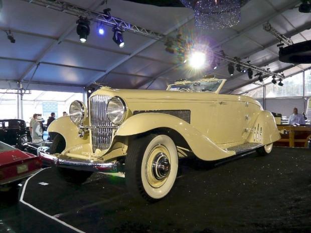 118 1935 Duesenberg Model JN Convertible Coupe