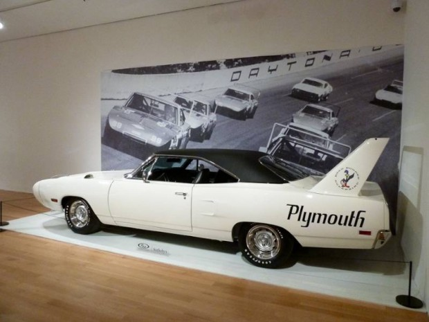 1970 Plymouth Road Runner Superbird Hemi