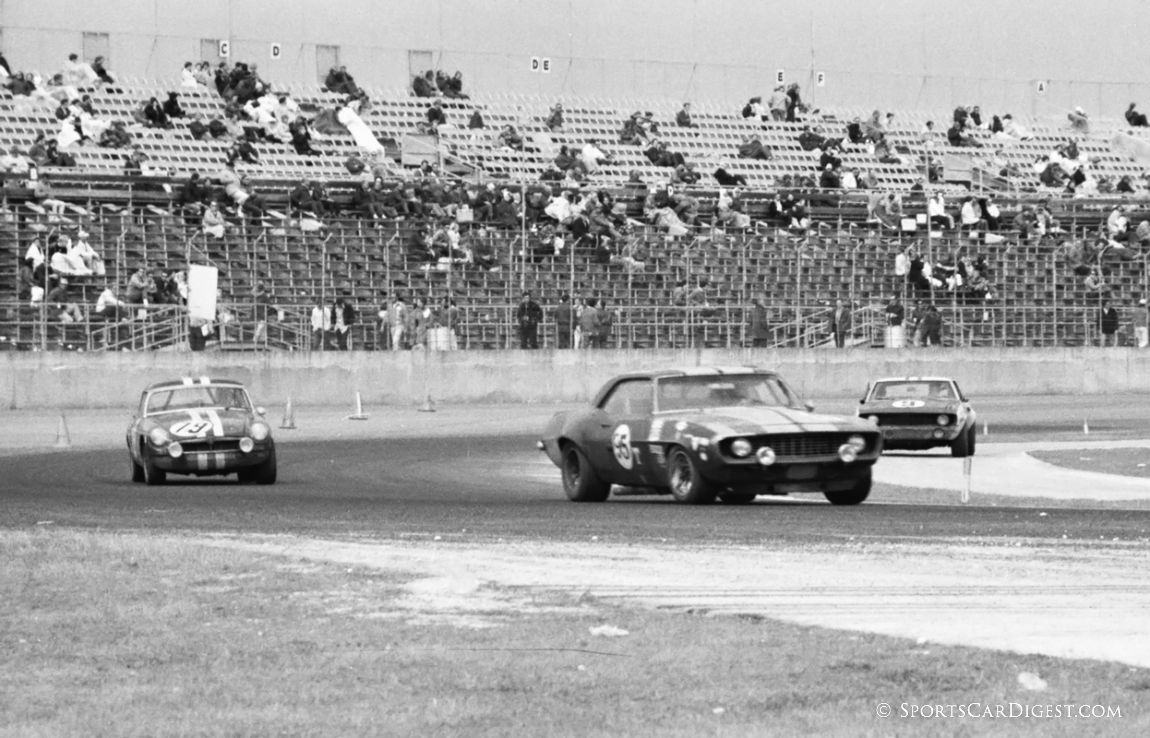 A wide variety of cars raced at Daytona in 1970 including Camaros and MGBs. (Lou Galanos photo)