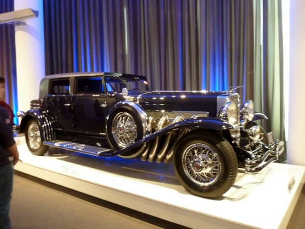 1933 Duesenberg Model SJ 4-Dr. Sedan Beverly