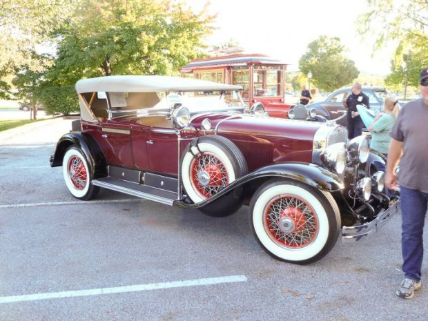 1928 Cadillac 341 V-8 Dual Cowl Sport Phaeton, Body by Fisher