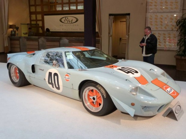 1968 Ford GT40 Gulf Lightweight Racing Car