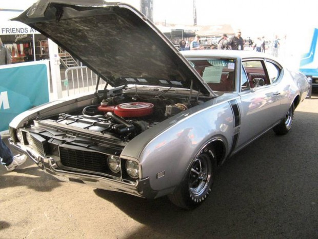1969 Oldsmobile 4-4-2 Coupe