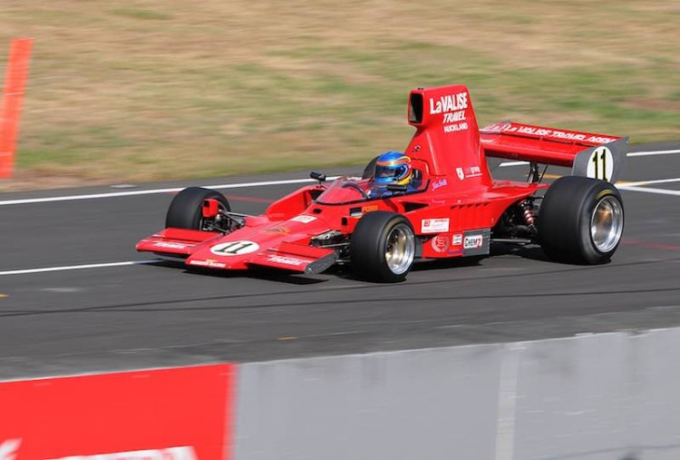 Ken Smith's Lola T332 on the way to one of his three MSC NZ F5000 series race victories at the NZGP meeting at Manfeild