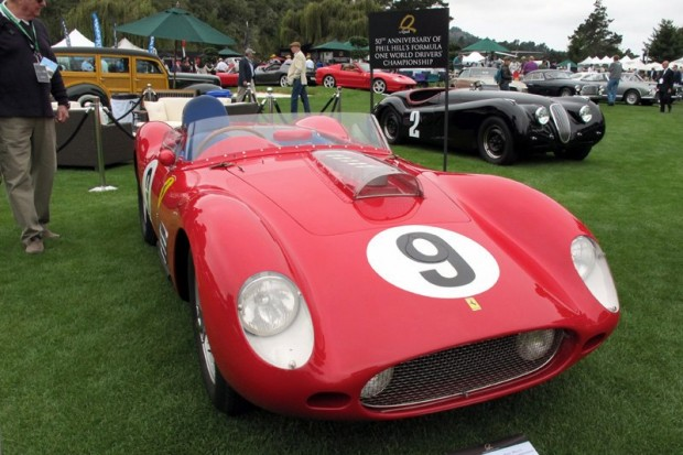 1959 Ferrari 250 TR59 - Bruce McCaw (foreground). #2 1950 Jaguar XK120 Alloy Body - Mark Miller.  Photo William Edgar