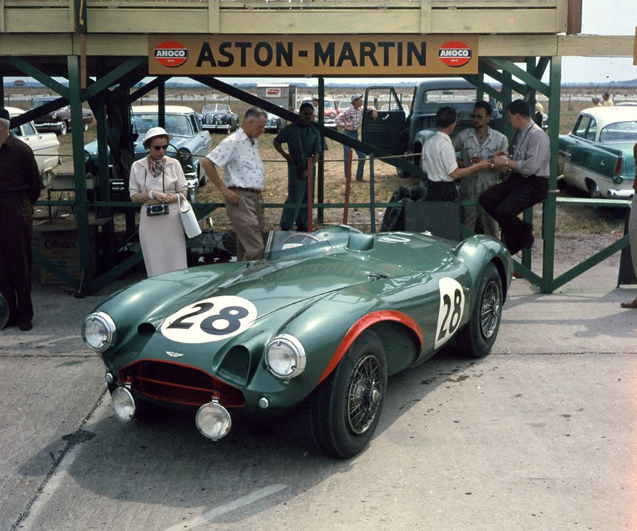 The Aston Martin DB3S of Reg Parnell and Tony Brooks, 12 Hours of Sebring 1956