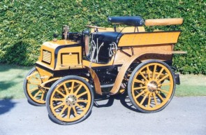 1898 Fisson 8hp Twin-Cylinder Six-seat Wagonette picture