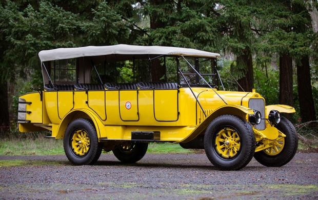 1925 White Model 15-45 Yellowstone Park Touring Bus