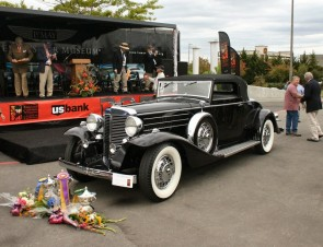 1933 Marmon V-16 Convertible Coupe won Best of Show
