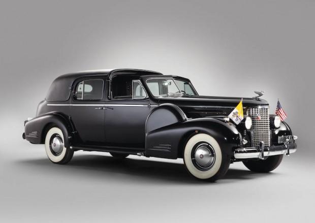 1938 Cadillac Sixteen Town Car, Body by Fleetwood