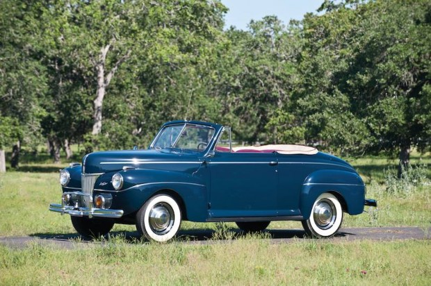 1941 Ford Super DeLuxe Convertible Coupe