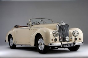 <strong>1948 Bentley Mark VI Drop Head Coupe - Estimate $290,000-$350,000.</strong> Part of Schermerhorn Collection; bodied by Graber.