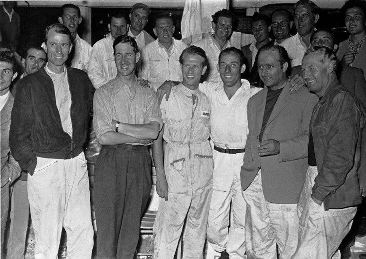 The Mercedes-Benz racing teams (from left to right): John Cooper Fitch, Desmond Titterington, Peter Collins, Stirling Moss, Juan Manuel Fangio, Karl Kling.