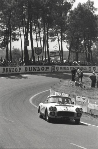 Cunningham Corvette - John Fitch and Bob Grossman - 1960 24 Hours of Le Mans