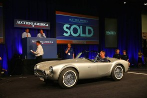 1963 Shelby 289 Cobra sold for $825,000