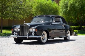 1964 Rolls-Royce Silver Cloud III Drophead Coupe sold for $172,000.