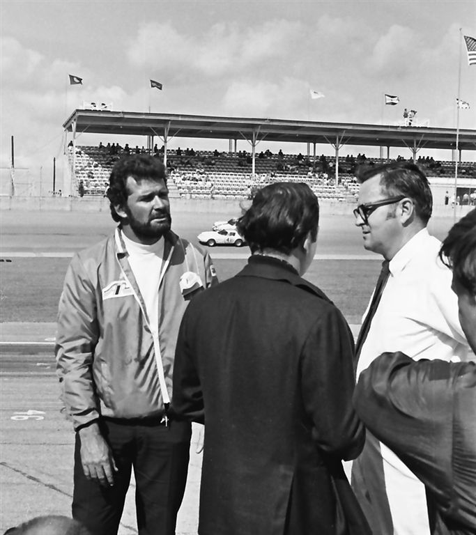 Photo of James Garner with Chris Economacki (white shirt) of ABC's Wide World of Sports.