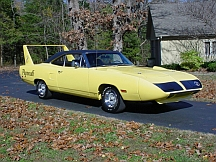 1970 Plymouth Superbird (Lot S68) sold for $128,000